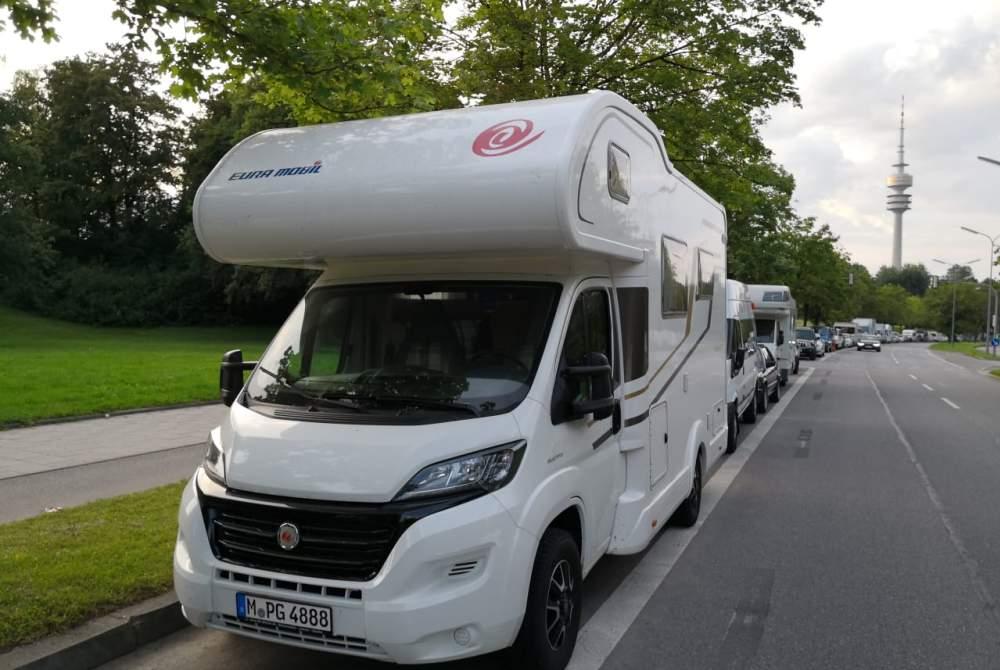 Alkoof Eura Mobil Camper am Rande der Welt in München huren van particulier