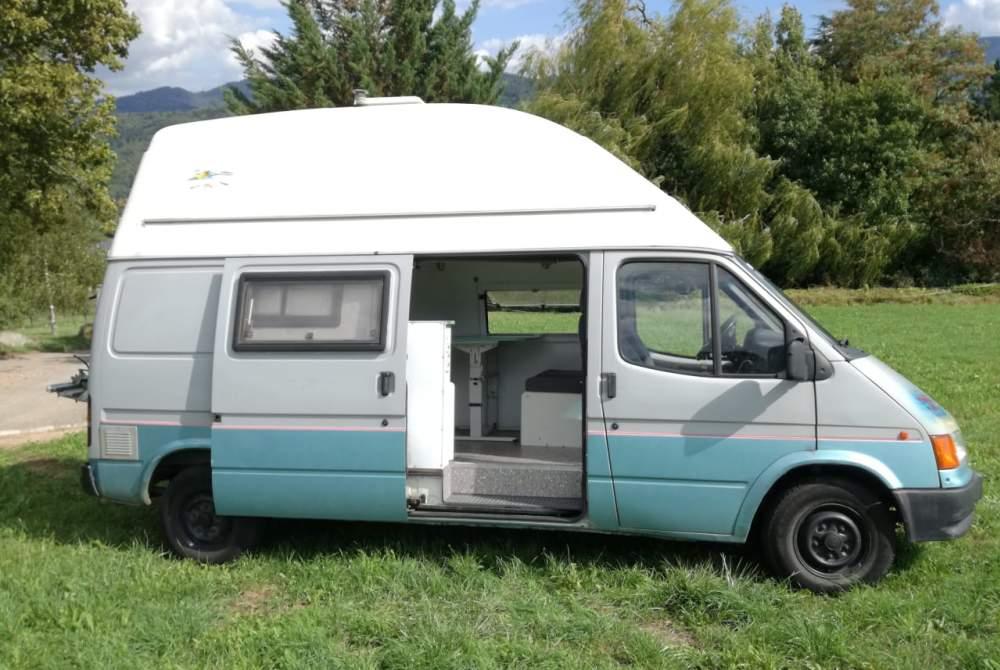 Kampeerbus Ford Matilda in Freiburg im Breisgau huren van particulier