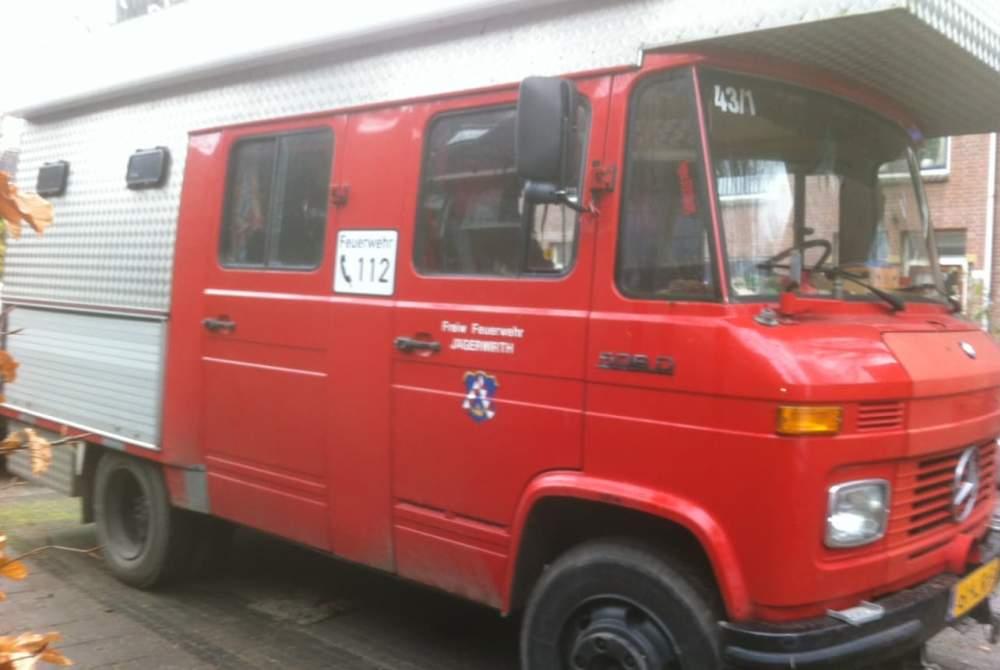 Integraal Mercedes Bussie Rood in De Bilt huren van particulier