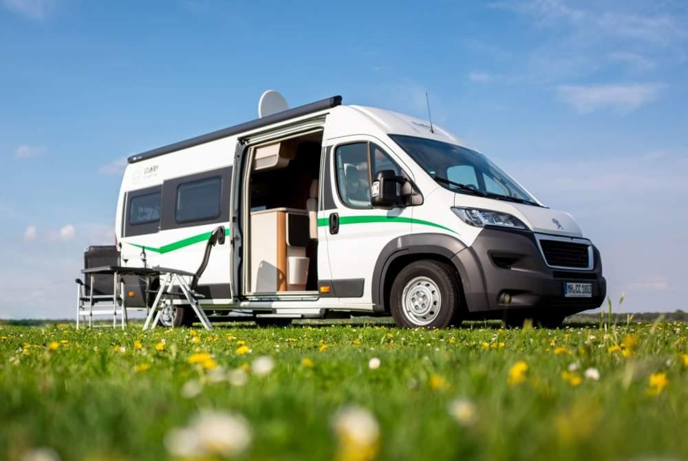 Buscamper VanTourer Country Camper in Oberhausen huren van particulier