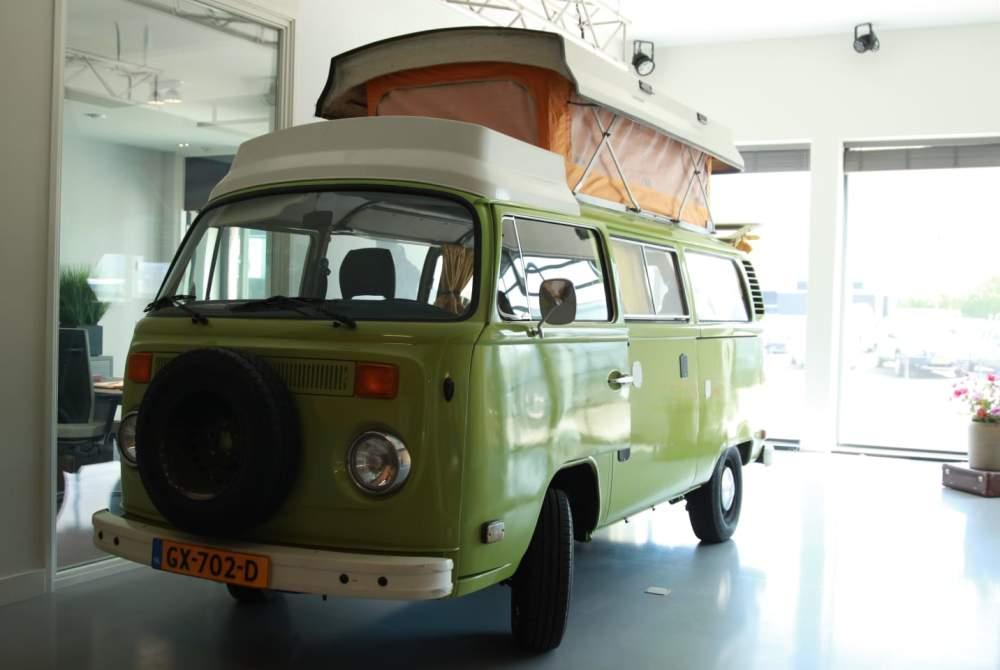 Kampeerbus Volkswagen Bus Californië  in Drachten huren van particulier