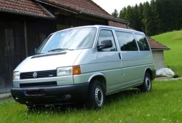 Kampeerbus Volkswagen Foxi in Friedberg huren van particulier