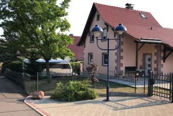 Caravan Hobby DE LUXE EDITION in Rötha huren van particulier