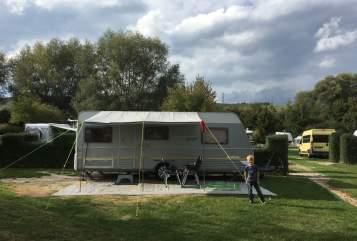Caravan Dethleffs Villa Bambini in Ahrensburg huren van particulier
