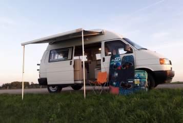 Buscamper Volkswagen Albert in Kampen huren van particulier
