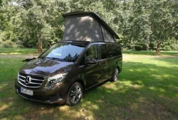 """Kampeerbus Mercedes  der """"Manny"""" in Bremen huren van particulier"""