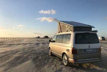 Kampeerbus VW Salted Caramel in Hamburg huren van particulier