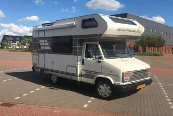 Alkoof Citroen Reuze camper in Wognum huren van particulier