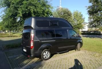 Kampeerbus Ford Nugget Plus Nuggi in Leonberg huren van particulier