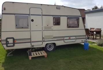 Caravan BUERSTNER Fijne caravan in Oud Gastel huren van particulier