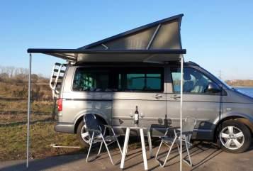 Kampeerbus Volkswagen T5 California T5  in Cuijk huren van particulier