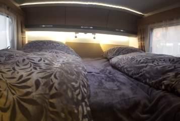 Buscamper Adria Premium Camper in Oberhausen huren van particulier