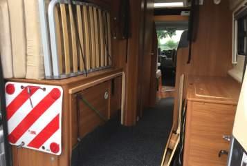 Buscamper Pössl Buscamper in Sambeek huren van particulier