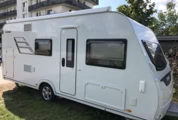 Caravan Eriba  rocky de luxe in Unterschleißheim huren van particulier