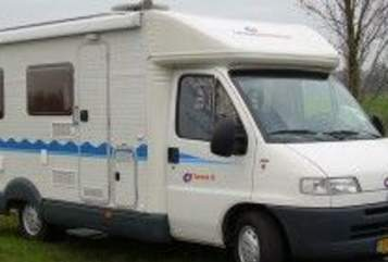 Halfintegraal Caravans Internationaal  Carioca in Rogat huren van particulier
