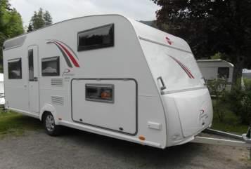 Caravan Bürstner Ninjamobil in Waiblingen huren van particulier