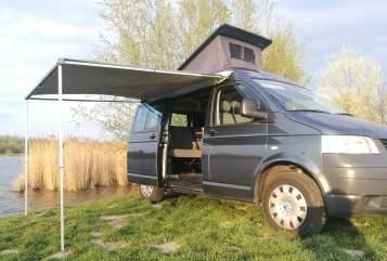 Kampeerbus volkswagen VW T5 camper in Kaatsheuvel huren van particulier