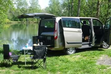 Kampeerbus Ford Tourneo  LuxusLöwe in Winhöring huren van particulier