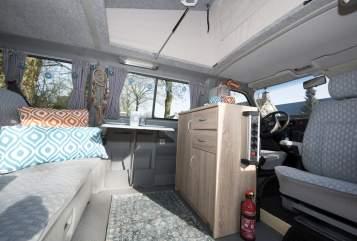 Kampeerbus VW Desert in Mierlo huren van particulier