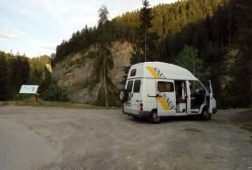 Kampeerbus Renault Ronnie in Rudolfsheim-Fünfhaus huren van particulier