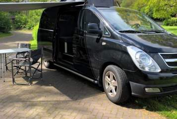 Kampeerbus Hyundai Black Beauty in Hoogeveen huren van particulier