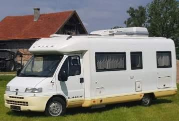 Halfintegraal Laika Hexnhaus Mobil in Hollenbach huren van particulier