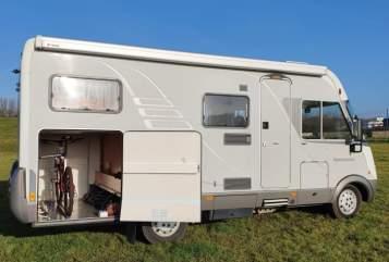 Integraal Hymer comfortcamper in Rotterdam huren van particulier