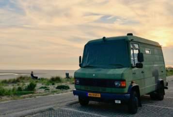 Buscamper Mercedes Benz Stoere 609D  in De Bilt huren van particulier
