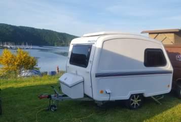 Caravan Predom - für fast jedes Auto geeignet Leichtgewicht in Lahnstein huren van particulier