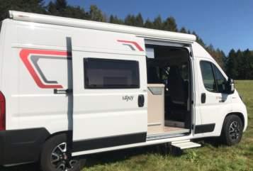Buscamper Challenger  Vany in Hilden huren van particulier