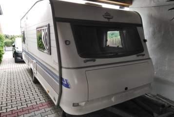 Caravan Hobby  Dicker Bär in Dietenhofen huren van particulier