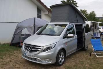 Kampeerbus Mercedes Benz  Activity One in Leonberg huren van particulier
