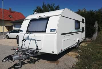 Caravan Adria FoxBox in Sierndorf huren van particulier