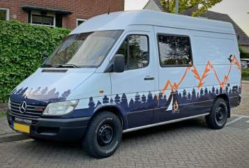 Buscamper Mercedes Sprinter in Aalten huren van particulier