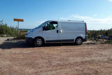Kampeerbus Renault Der weiße Hai in Eningen unter Achalm huren van particulier