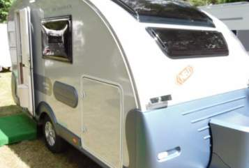 Caravan Adria Action 391 PH in Hassendorf huren van particulier
