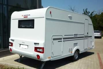 Caravan Adria Altea 472 KP in Hassendorf huren van particulier