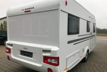 Caravan Adria Altea 502 UL in Hassendorf huren van particulier