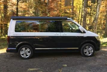 Kampeerbus VW Juri in München huren van particulier