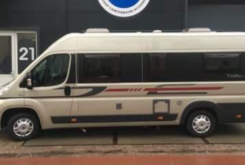 Buscamper Fiat Ducato Adria in Middenmeer huren van particulier