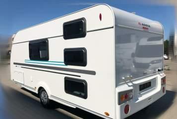 Caravan Adria Aviva 522 PT in Hassendorf huren van particulier