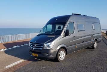 Buscamper Mercedes Zwerver XL in Wapenveld huren van particulier
