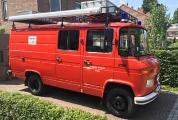 Buscamper Mercedes  RedDevil in Son en Breugel huren van particulier