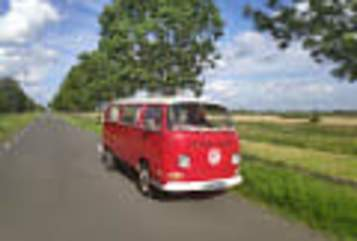 Kampeerbus VW Rode Roos in Baambrugge huren van particulier