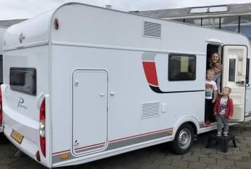 Caravan Burstner The Zephyr in Huis ter Heide huren van particulier