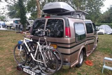 Kampeerbus Chevrolet LPGcamper Lenny in Rijswijk huren van particulier