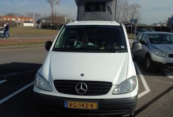 Kampeerbus Mercedes Vito Camper  in Delft huren van particulier