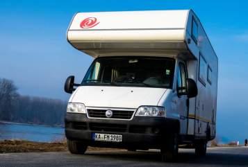 Alkoof Eura Mobil Matos Mobil in Karlsbad huren van particulier
