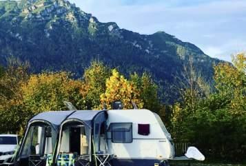 Caravan Hymer Eriba La Vida-Camping in Wöllstadt huren van particulier
