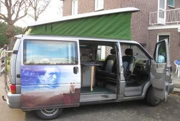 Kampeerbus Volkswagen T4 klein maar fijn in Roggel huren van particulier